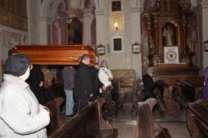 Wprowadzenie ciała ks. prałata do Kościoła 17.11.2015